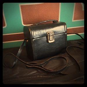 No brand, leather box purse.
